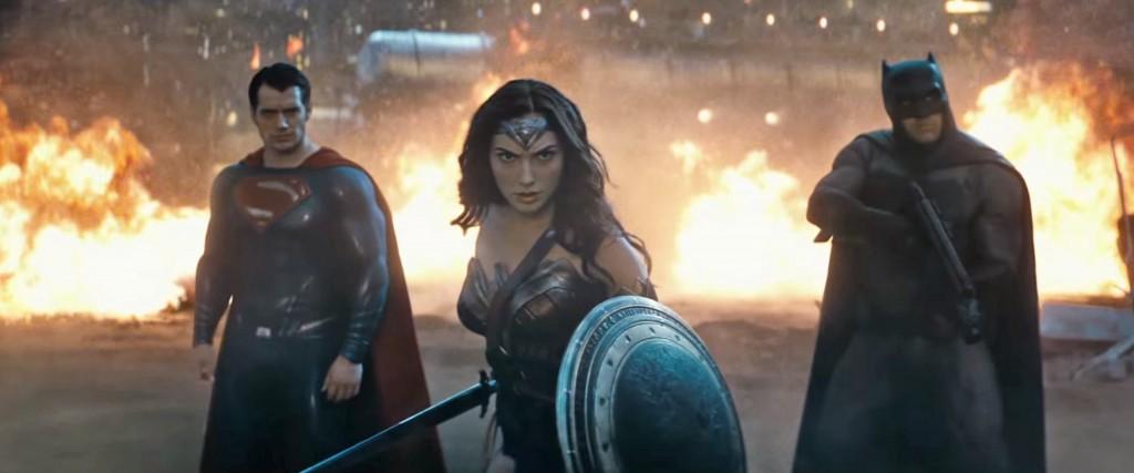 """Superhjältar på bio är hett. Och gillar du seriefigurer som kommer till liv så ska du absolut se """"Batman v Superman : Dawn of Justice""""."""