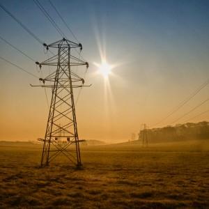 Elektricitet är roliga grejer. Speciellt på radion en måndag i maj... Foto av Mark Bridge på Flickr.com under licens CC BY-NC-ND 2.0